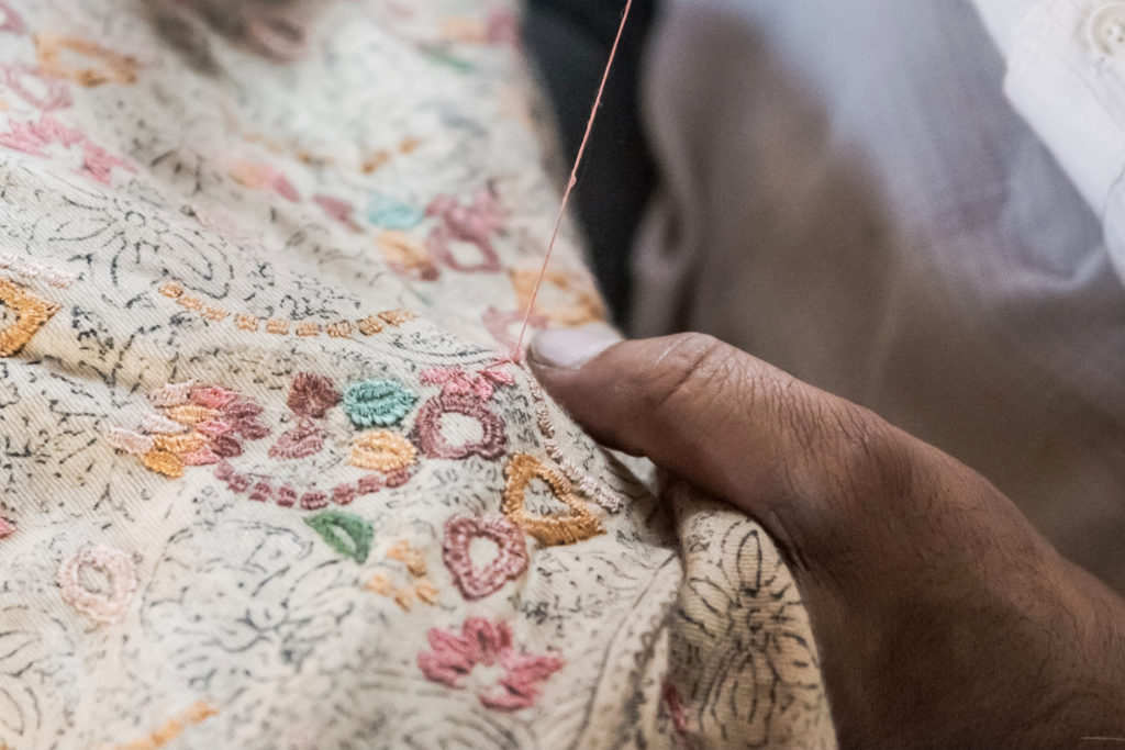 hand-embroidery-on-cloth