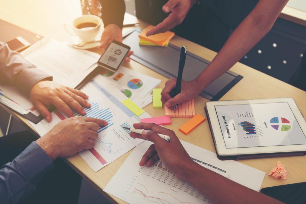 team-doing-data-analysis