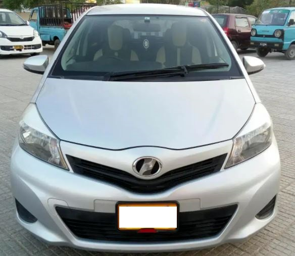 Toyota-vitz-image